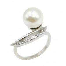 Auksinis žiedas su perlo imitacija ir cirkoniais